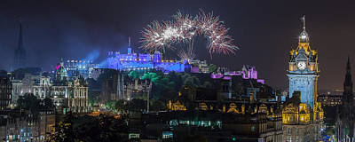 Photograph - Fireworks Over Edinburgh Castle by Karsten Moerman
