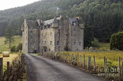 Stone Masons Photograph - Castle Menzies - D002545 by Daniel Dempster