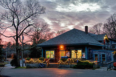 Cataumet Post Office Dressed For The Holidays Art Print