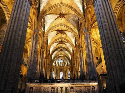 Catedral De Barcelona Art Print by Giorgio Lumaconi