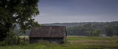 Photograph - Cedar Creek Barn I by Wayne Meyer