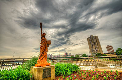 Photograph - Cedar Rapids Statue Of Liberty by Anthony Doudt