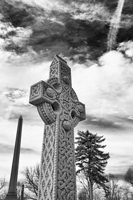 Photograph - Celtic Cross 20977 by Guy Whiteley