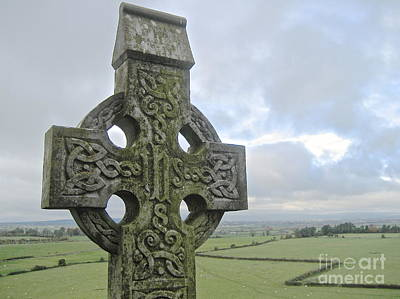 Celtic Cross Art Print by Suzanne Oesterling