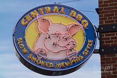 Photograph - Central Bbq Sign I by Clarence Holmes