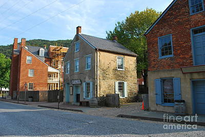 Century Olde Buildings In Harpers Ferry Art Print by Bob Sample