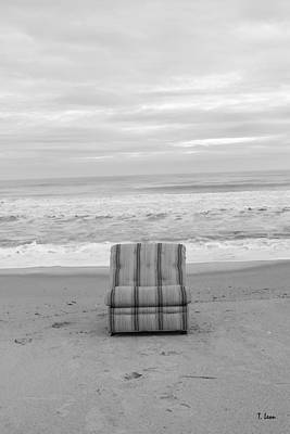 Photograph - Chair by Thomas Leon