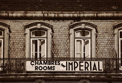 Window Signs Photograph - Chambres Imperial Lisbon by Mary Machare