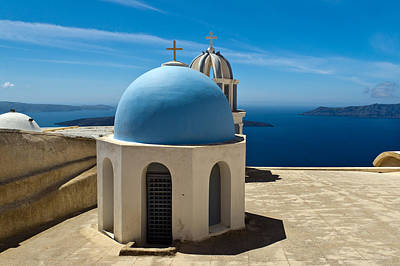 Photograph - Chapel On Santorini by Gary Eason