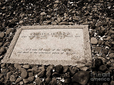 Photograph - Charles Lindbergh Memorial Stone by Connie Fox