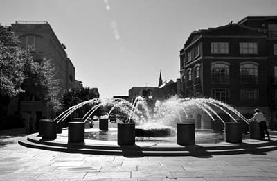 Photograph - Charleston Sc - Fountain At Waterfront Park by John Black