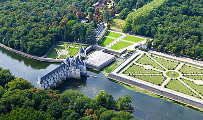 Chateau De Chenonceau And Its Gardens Art Print by Mick Flynn