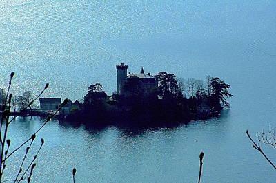 Chateau Sur Lac Art Print
