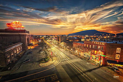 Lookout Photograph - Chattanooga Choo Choo by Steven Llorca