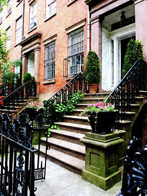 Chelsea Brownstone Art Print by Susan Savad