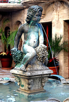 Photograph - Cherub Water Fountain by Sandra Selle Rodriguez