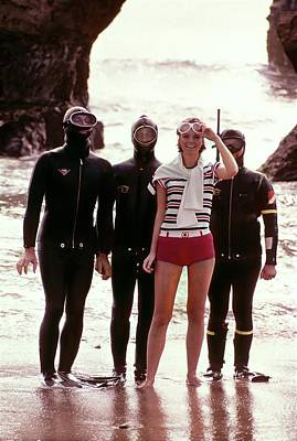 Young Man Photograph - Cheryl Tiegs With Scuba Divers by William Connors