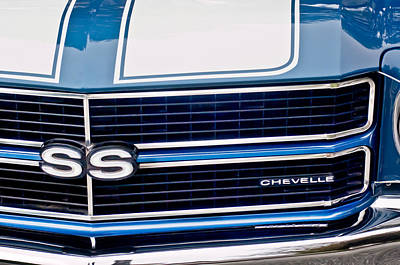 Classic Muscle Cars Photograph - Chevrolet Chevelle Ss Grille Emblem 2 by Jill Reger