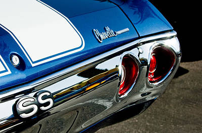 Chevrolet Chevelle Ss Taillight Emblem -0158c Art Print by Jill Reger