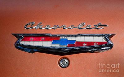 Photograph - Chevrolet Emblem by Les Palenik