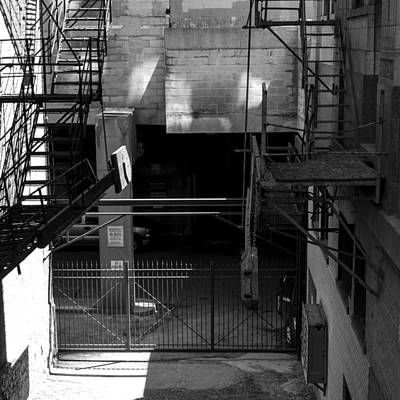 Photograph - Chicago Alley 2 by Frank Winters