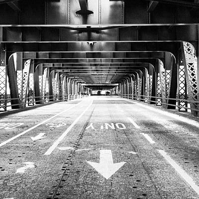 White Photograph - Chicago Wells Street Bridge Picture by Paul Velgos