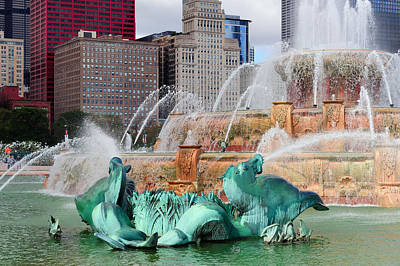 Photograph - Chicago Buckingham Fountain by Songquan Deng