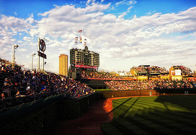 Ryno Photograph - Chicago Cubs Scoreboard 04 by Thomas Woolworth