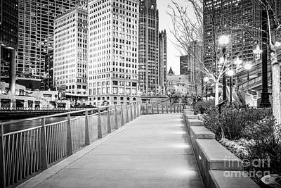 Riverwalk Photograph - Chicago Downtown City Riverwalk by Paul Velgos