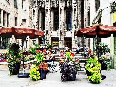 Al Fresco Photograph - Chicago - Enjoying Lunch On The Magnificent Mile by Susan Savad