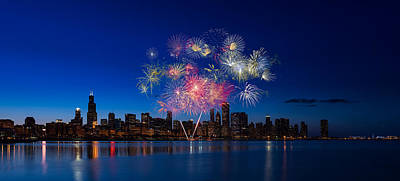 Photograph - Chicago Lakefront Fireworks by Steve Gadomski