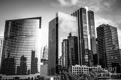 Chicago Loop Photograph - Chicago Loop Black And White Picture by Paul Velgos