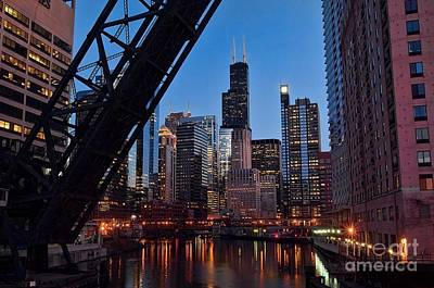 Jeff Lewis Photograph - Chicago Loop by Jeff Lewis