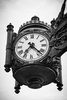 Chicago Macy's Marshall Field's Clock In Black And White Art Print by Paul Velgos