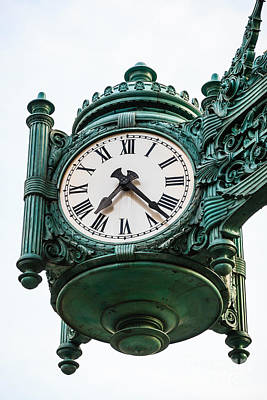 Chicago Macy's Marshall Field's Clock Art Print by Paul Velgos