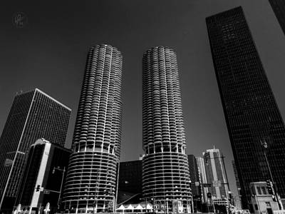Goldberg Photograph - Chicago - Marina City 001 by Lance Vaughn