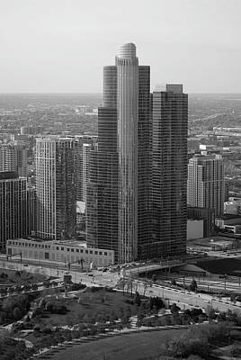 Tom Woolworth Digital Art - Chicago Modern Skyscraper Black And White by Thomas Woolworth
