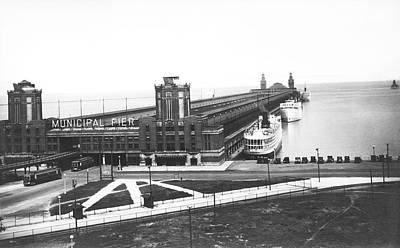 Photograph - Chicago Municipal Pier by Underwood Archives