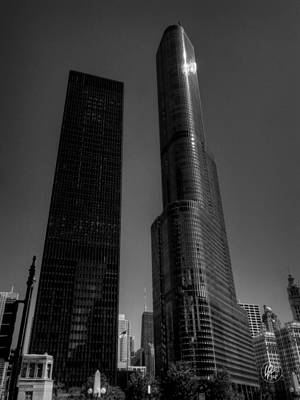 City Photograph - Chicago - N State Street 004 by Lance Vaughn