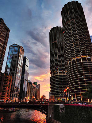 Photograph - Chicago River Sunset 001 by Lance Vaughn