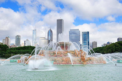 Photograph - Chicago Skyline With Buckingham Fountain by Songquan Deng