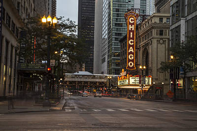 Photograph - Chicago Theater And Street In Color by John McGraw