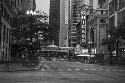 Photograph - Chicago Theater And Street by John McGraw
