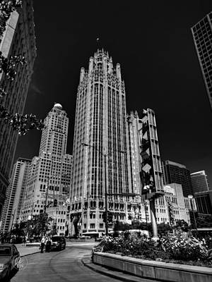 Street Photograph - Chicago - Tribune Tower 001 by Lance Vaughn