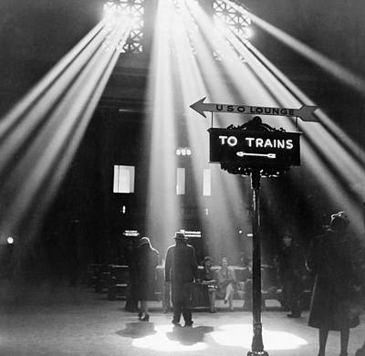Photograph - Chicago Union Station, 1943 by Granger