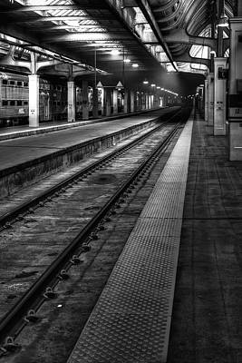 Black And White Photograph - Chicago Union Station by Scott Norris