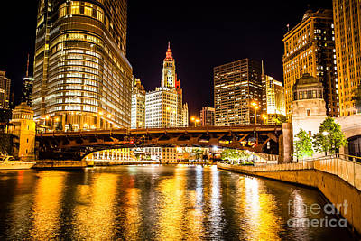 Trump Tower Photograph - Chicago Wabash Avenue Bridge At Night Picture by Paul Velgos