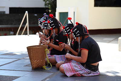 Child Performers - Wat Phrathat Doi Suthep - Chiang Mai Thailand - 01133 Art Print by DC Photographer