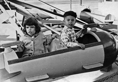 Playlands Photograph - Children At Playland In Sf by Underwood Archives
