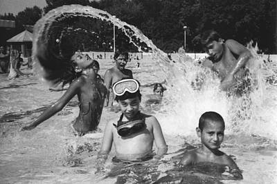 Photograph - Children In The Pool  by Dragan Kudjerski